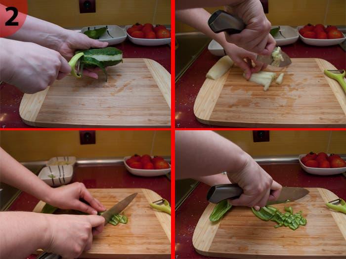Picando el pepino y el pimiento verde