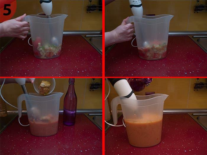 Añadiendo el pan y el agua al gazpacho