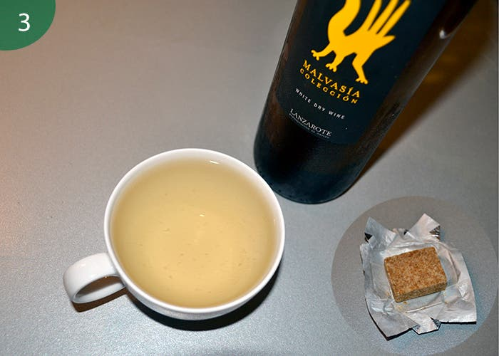 Vino blanco y caldo de pollo