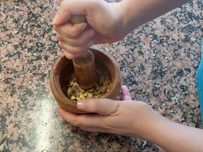 Especial fiestas infantiles: Galletas de pistacho y mermelada de fresa