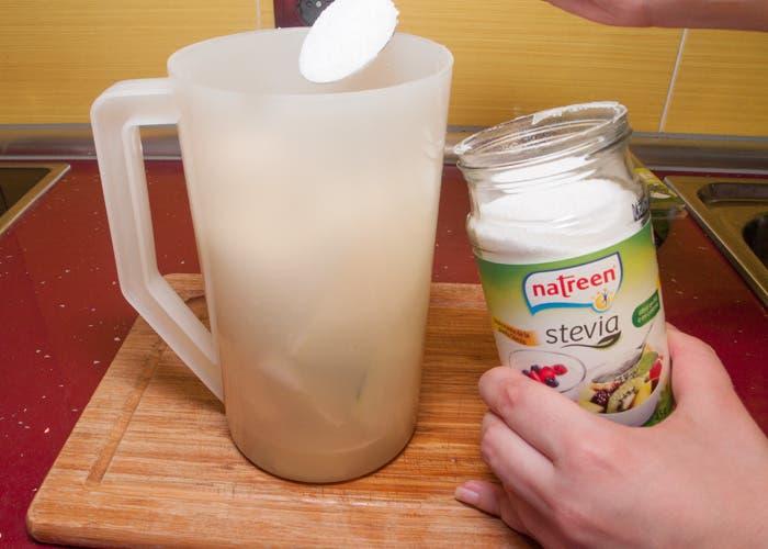 Paso 3 de la elaboración del zumo de melón