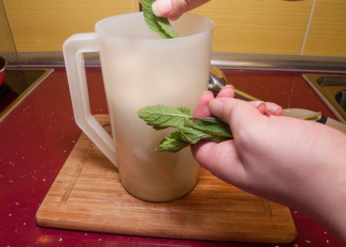 Paso 4 de la elaboración del zumo de melón