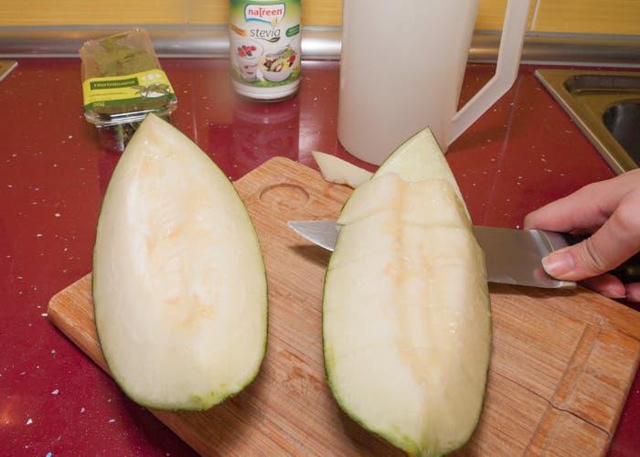 Paso 1 del zumo de melón
