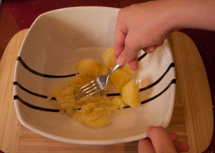Paso 3 de la elaboración del croissant relleno