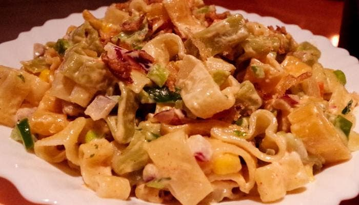 Ensalada de pasta con salsa agridulce