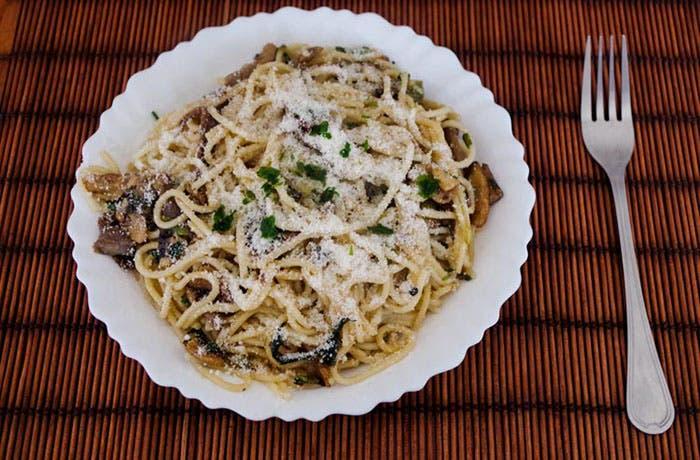 Espaguetis con salsa de 3 setas