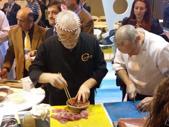 Preparando shushi en el Salón del Gourmets