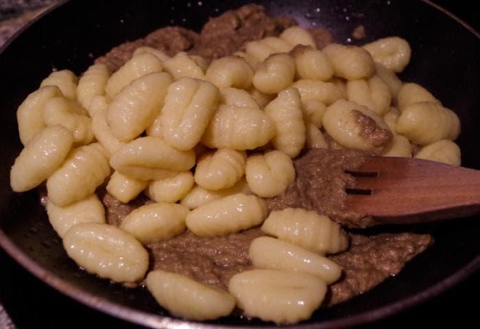 Receta de gnocchis con crema de champiñones