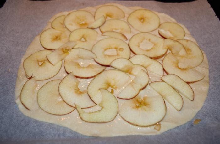 2. Añadimos la manzana cortada