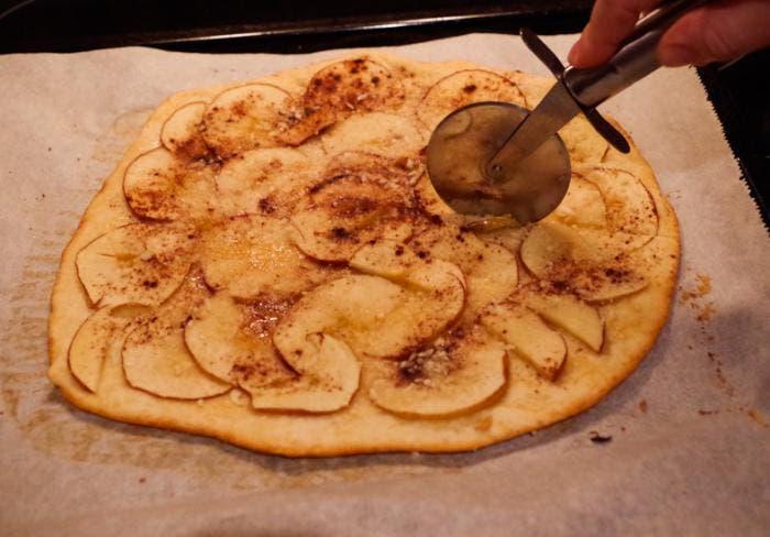 Receta de pizza dulce de manzana y canela