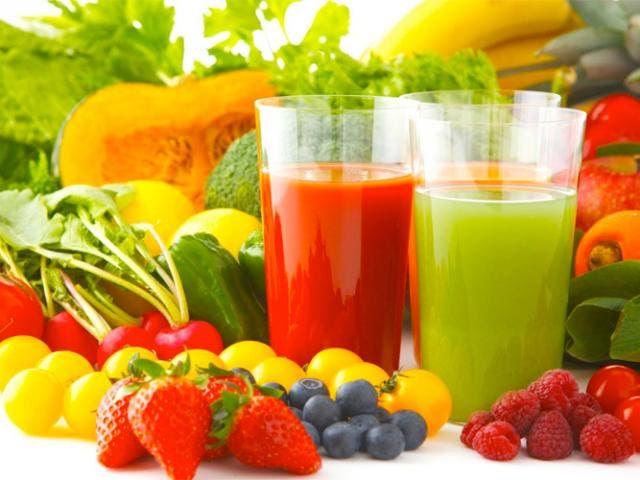 5 zumos diuréticos que nos ayudarán a perder peso