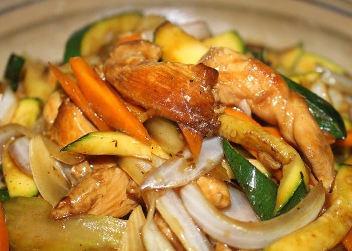 salteado de pollo con verduras