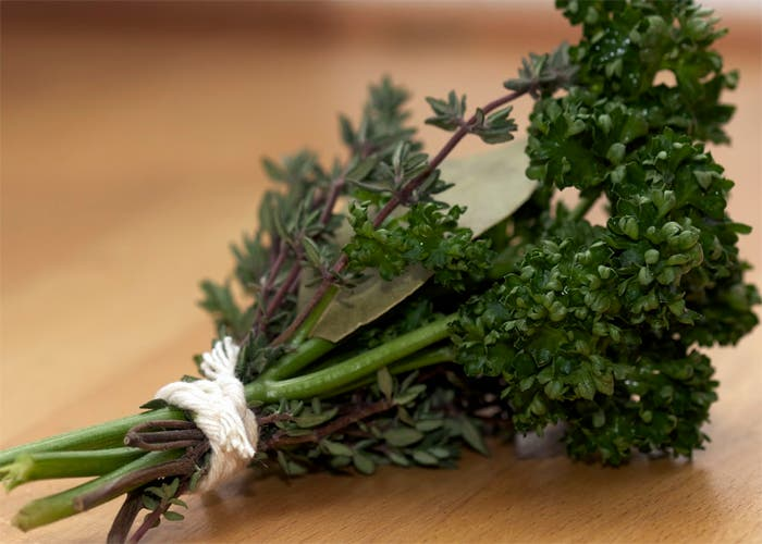Manojo de hierbas o bouquet garni