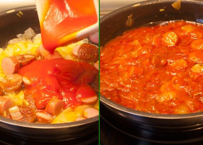 Macarrones con chorizo incorporar tomate
