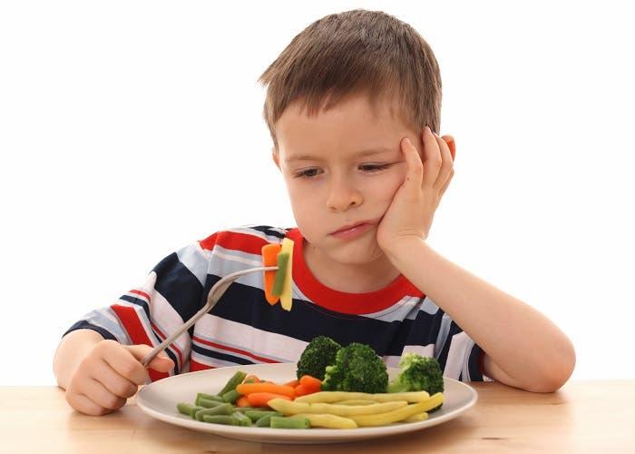 Niño comiendo