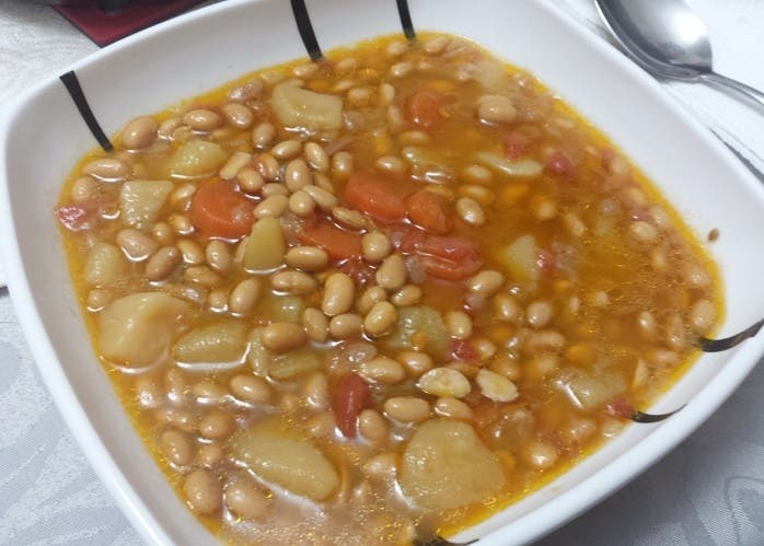 Plato de guiso de soja