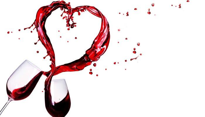 Salpicadura de vino en forma de corazón