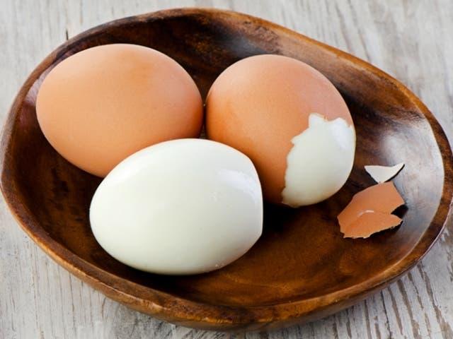 2 formas diferentes de cocinar huevos duros for Maneras de cocinar huevo