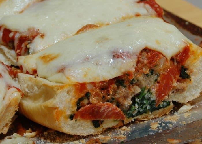 Pizza rellena con verdura
