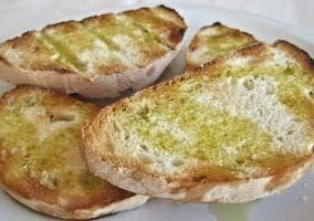 Rodajas de pan de ajo