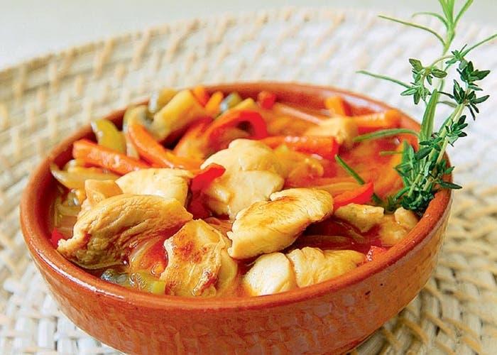Cazuela de pollo receta paso a paso - Comidas con pollo faciles ...