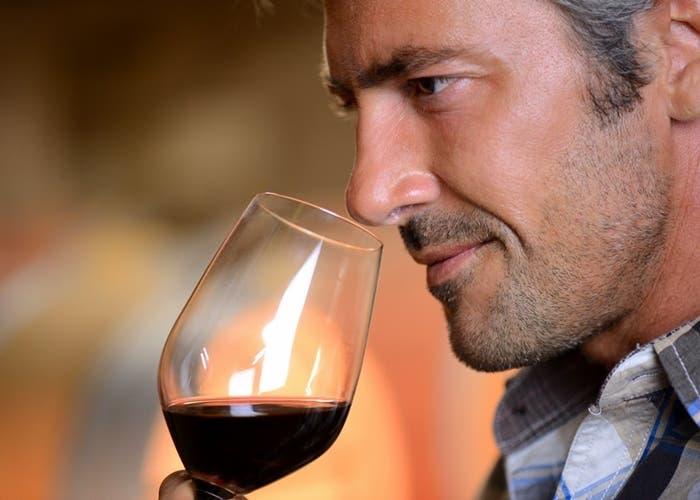 Oler copa de vino