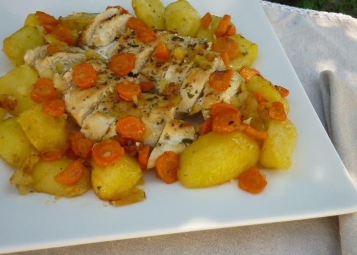 Pollo al horno con patatas receta paso a paso - Pollo al horno con limon y patatas ...