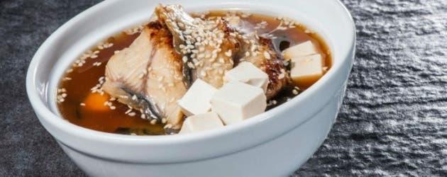 Sopa miso de pez emperador