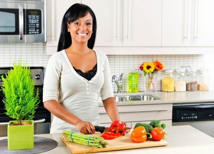Mujer cocinando