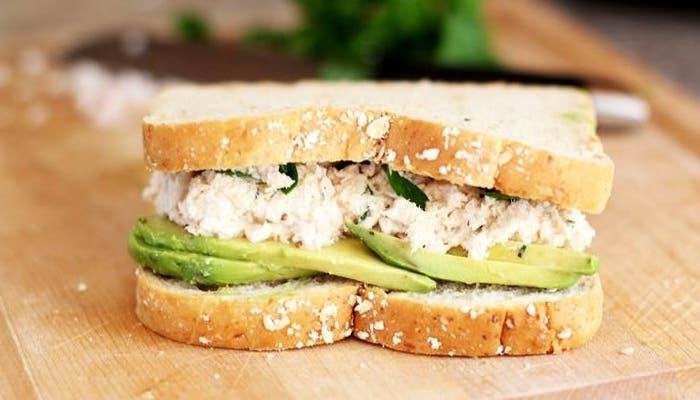Receta de sándwich de atún y aguacate, apto para diabéticos