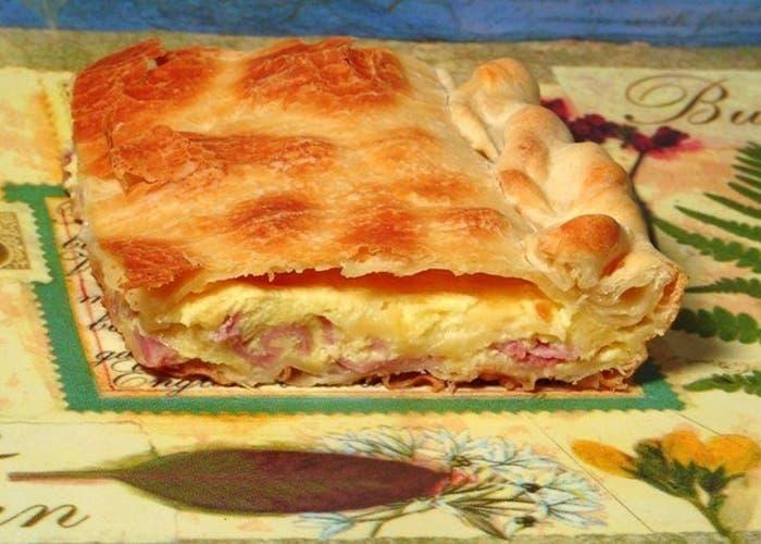 Tarta de jamon queso y cebolla