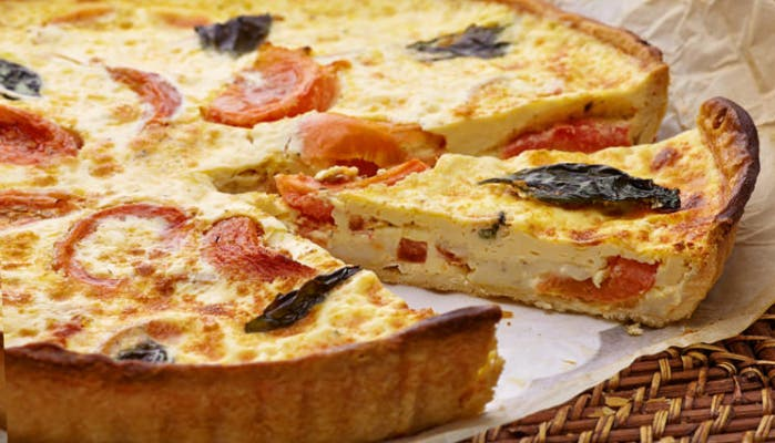 quice-de-tomate-mozzarella-albahaca