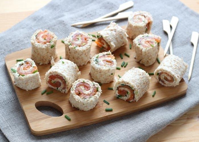 rollos-de-salmon-ahumados-con-pan-de-molde