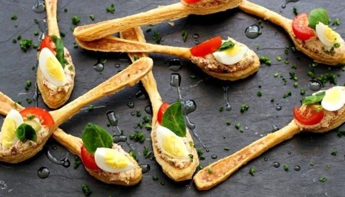 aperitivos-de-hojaldre-con-forma-de-cuchara