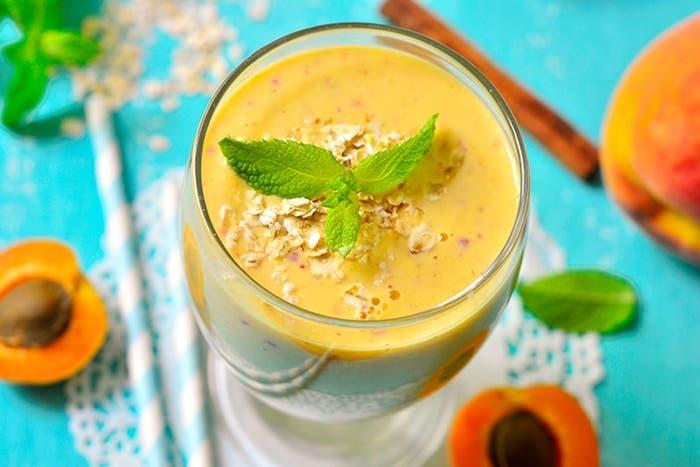 receta-de-smoothie-de-albaricoques-y-melocoton