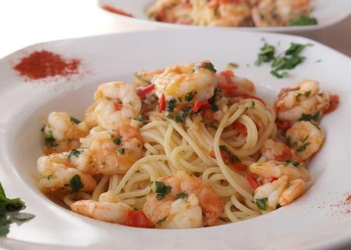 espaguetis-con-gambas