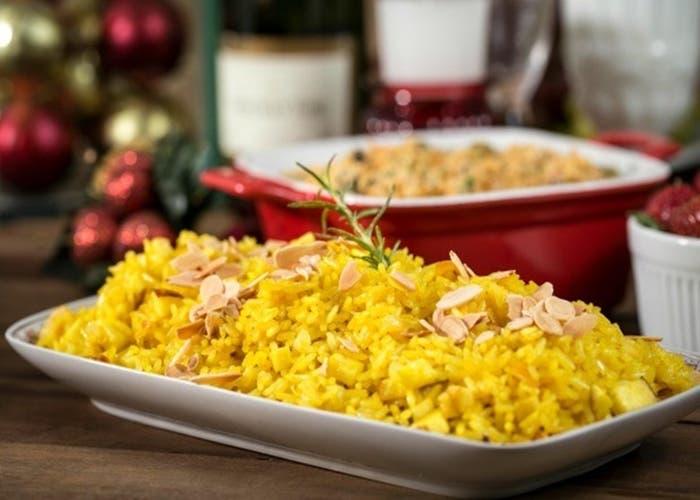 receta-de-arroz-con-manzana-y-almendras-para-navidad
