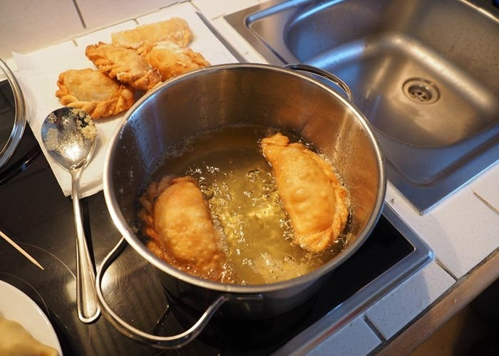 Freír empanadas