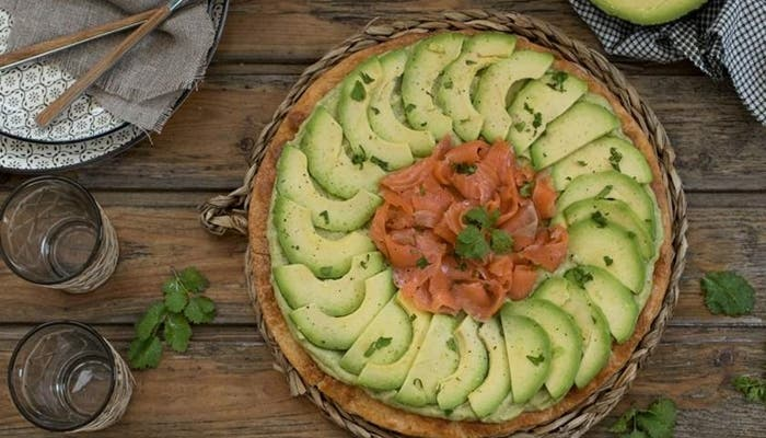 Tarta de aguacate y salmon
