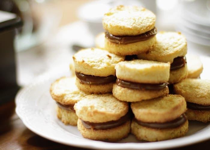 Receta de alfajores de coco rellenos de dulce de leche
