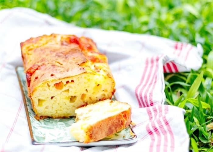 Receta de budín salado de mozzarella y tomates