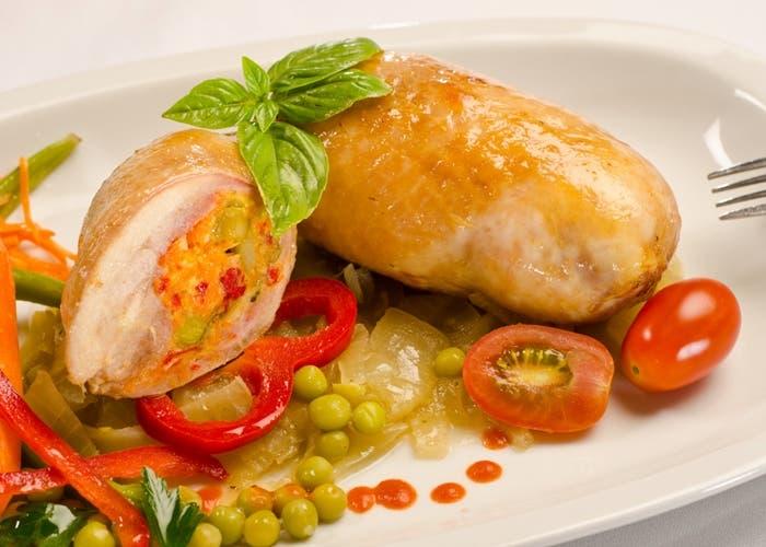 Pata muslo de pollo rellena, receta paso a paso