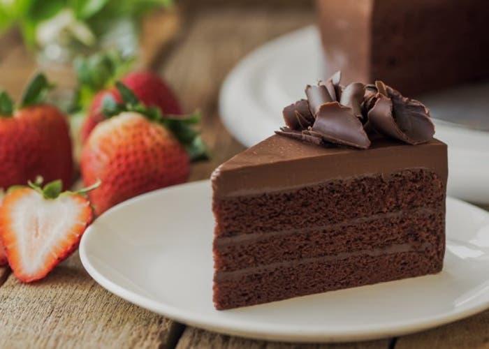 Receta de torta de chocolate con betún de chocolate