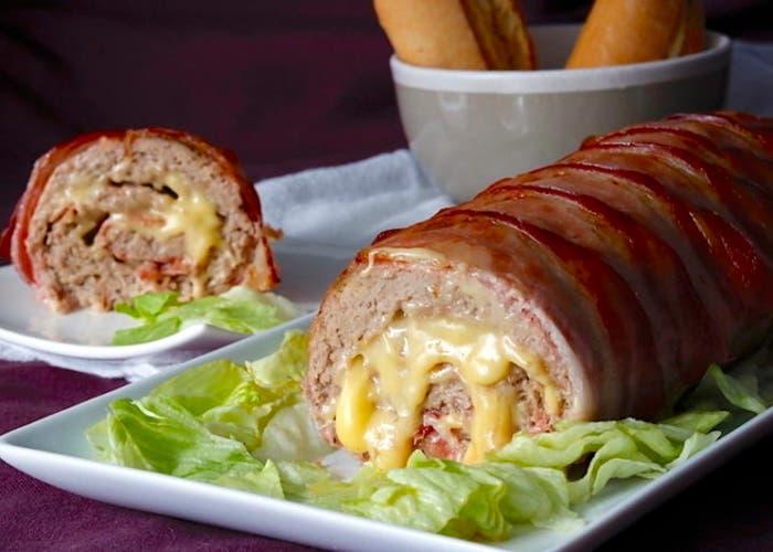 Receta de pan de carne relleno con 3 quesos