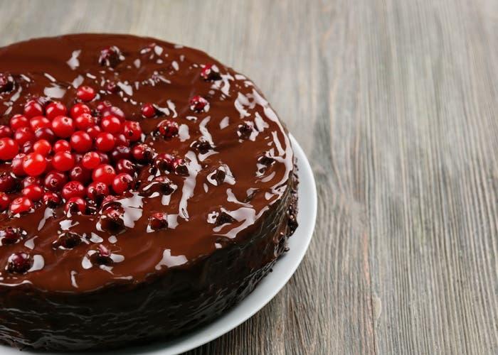 Receta de tarta de chocolate y arándanos rojos