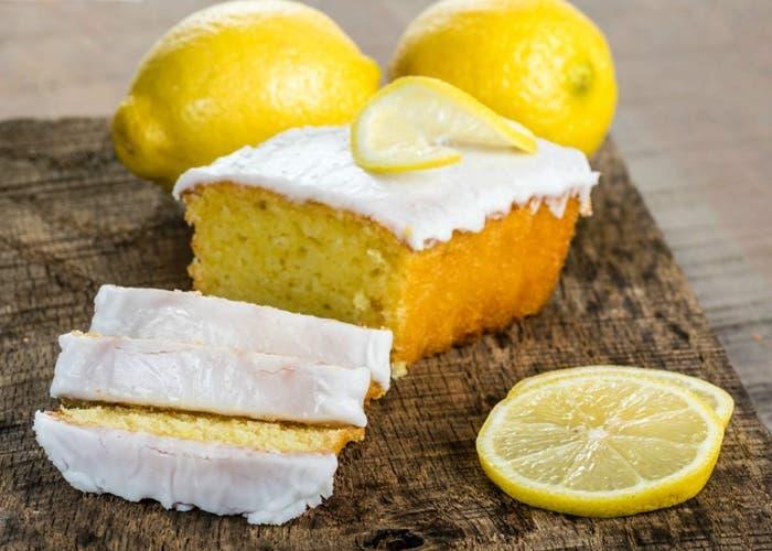 Bizcocho de limón glaseado, receta paso a paso