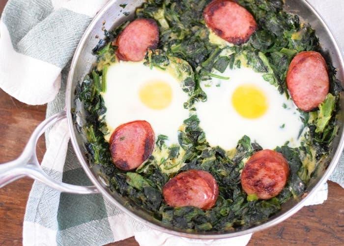 Receta de huevos verdes con jamón