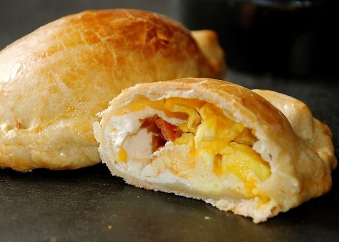 Receta de empanadas de tocino y huevos para el desayuno
