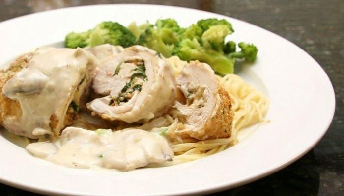 Receta de supremas de pollo rellenas con albahaca y mozzarella