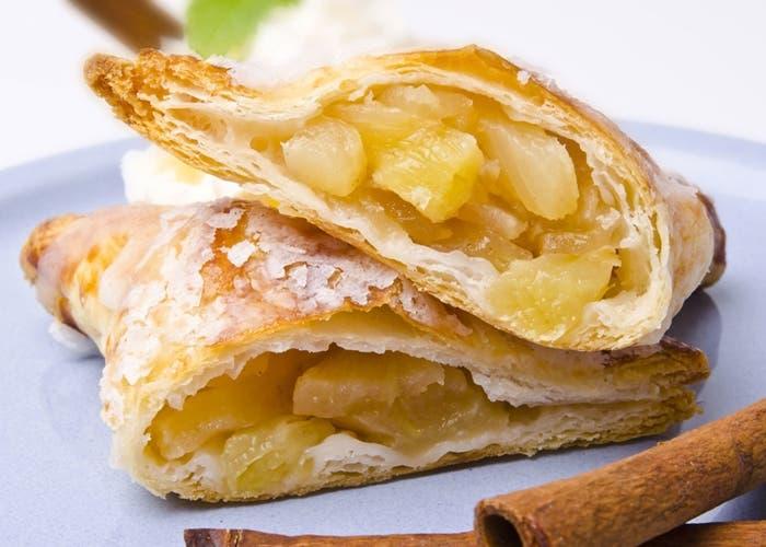 Empanadillas de manzana, grosellas y canela